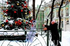 Новогоднее уличное оформление музей Эрмитаж.