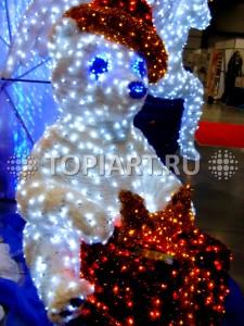"""Светящаяся фигура """"Медведь с подарком"""", www.topiart.ru"""