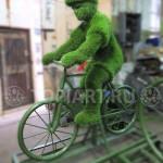 """Топиарная фигура """"Мальчик на велосипеде"""""""