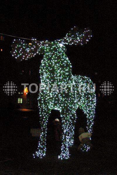 Зеленая фигура Лось в LED гирляндах