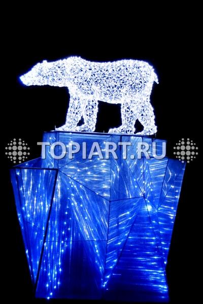 Световая скульптура медведь