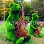 """Зеленые топиари фигуры """"Медведь"""" и """"Козел"""""""