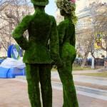 """Зеленые скульптуры топиарии из искусственной травы """"Парочка"""""""