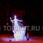 "Светящаяся скульптура ""Снежная Королева"" www.topiart.ru"