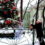 Новогоднее уличное оформление музей Эрмитаж. www.topiart.ru