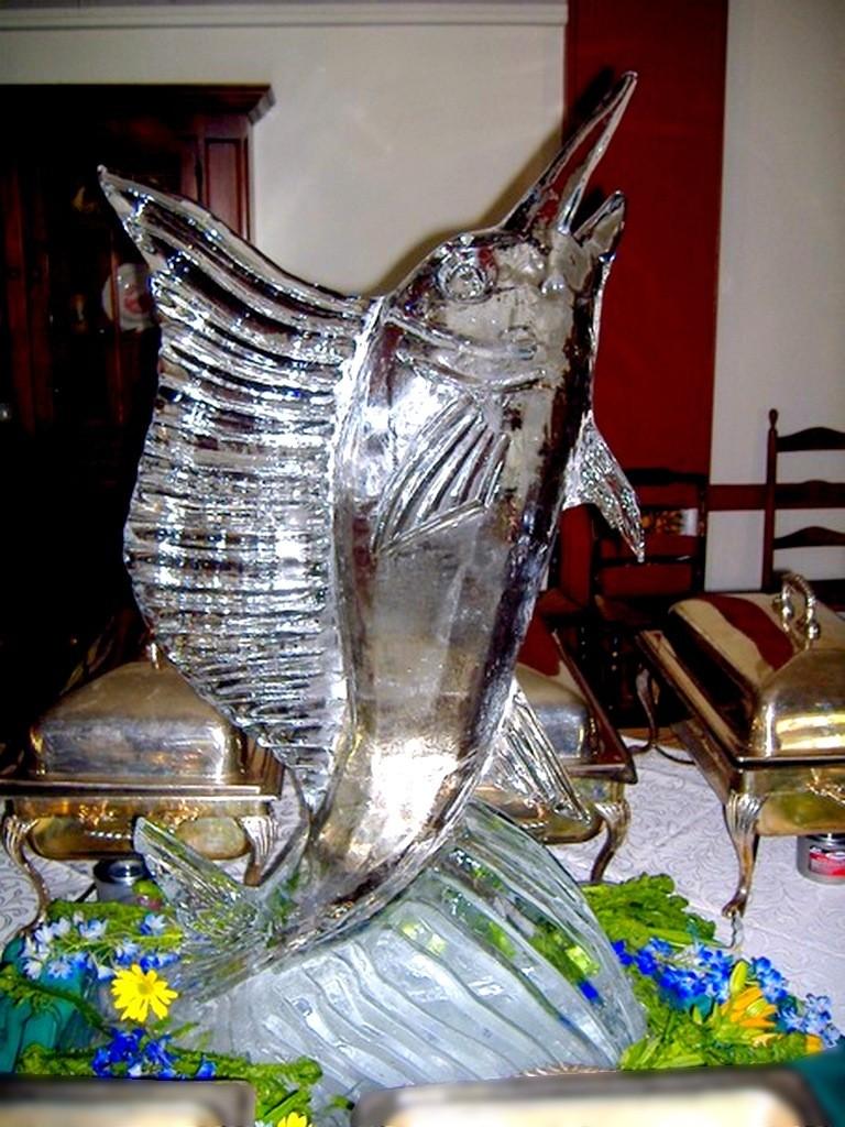 Оформление юбилеев скульптуры из льда