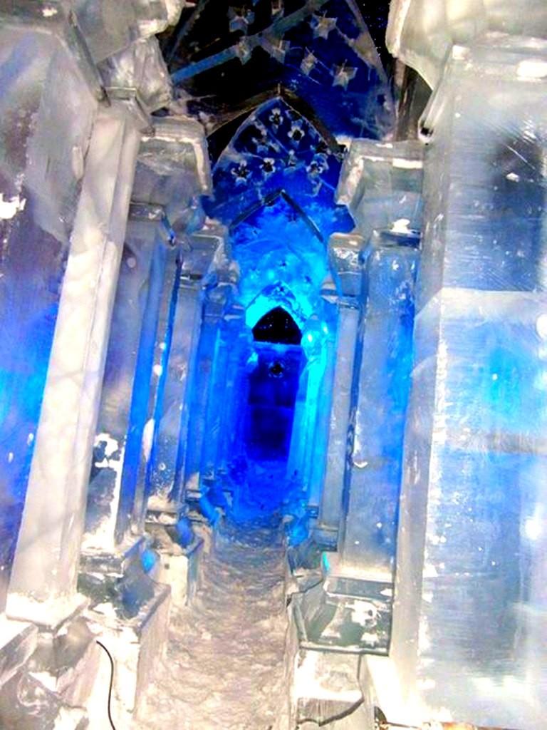 Скульптура из льда СПб