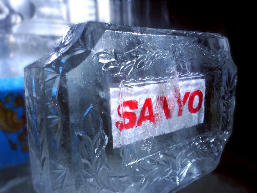 Объемный логотип из льда изготовление TOPiART.ru