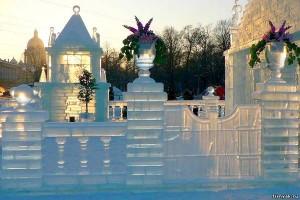 Резка льда в Санкт-Петербурге