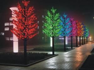 Новогоднее оформление деревьев