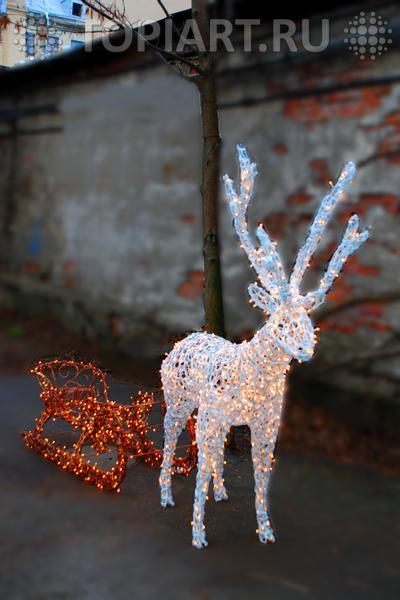 светодиодный олень с санями